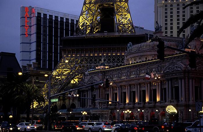 Las Vegas Strip: Paris Las Vegas: Nachbau von Eiffelturm und Oper Bally's Las Vegas