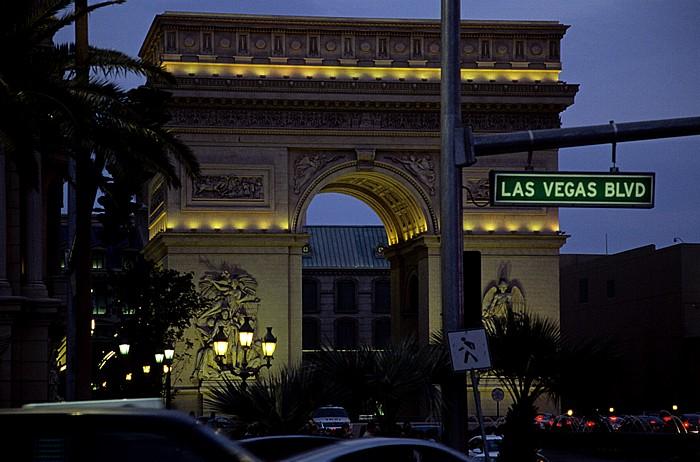 Las Vegas Strip: Paris Las Vegas: Nachbau des Arc de Triomphe