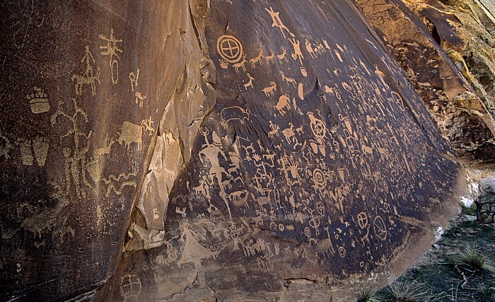 Newspaper Rock State Historic Monument Petroglyphen