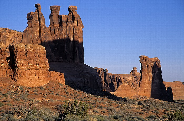 Arches National Park Courthouse Towers: Three Gossips
