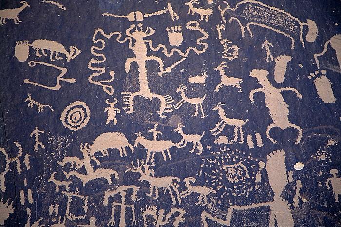 Petroglyphen Newspaper Rock State Historic Monument