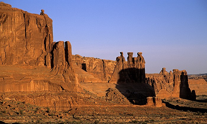 Arches National Park Courthouse Towers: Three Gossips Sheep Rock