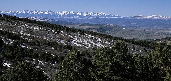 Black Canyon of the Gunnison National Park Blick auf die schneebedeckten Rocky Mountains