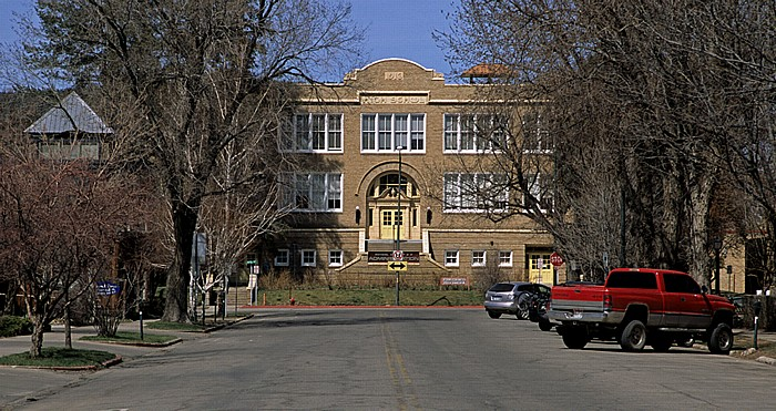 Durango 1rd Avenue: High School