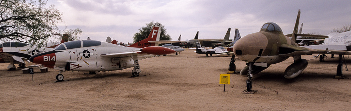 Tucson Pima Air & Space Museum: Republic F-84F Thunder (rechts)