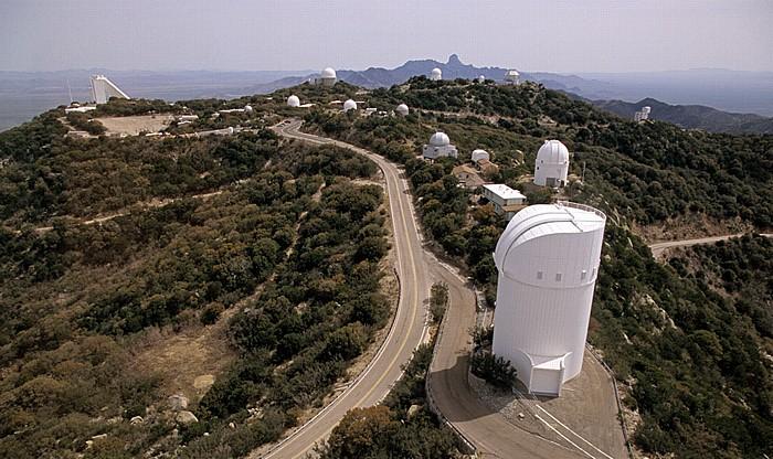 Kitt Peak National Observatory (KPNO): Blick vom Mayall 4m Telescope National Solar Observatory Steward Observatory Complex
