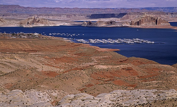 Lake Powell: Wahweap Bay Glen Canyon National Recreation Area