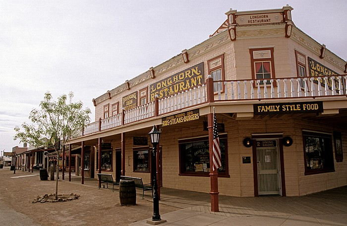 Tombstone Historic District: Allen Street: Longhorn Restaurant