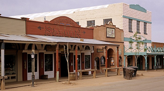 Tombstone Historic District: Allen Street: Big Nose Kate's Saloon