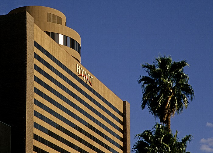 Downtown Phoenix: Hyatt Regency Phoenix