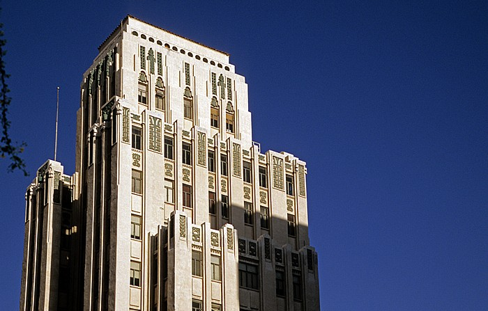 Downtown Phoenix: Luhrs Tower