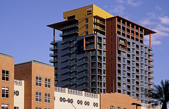 Downtown Phoenix: Summit at Copper Square
