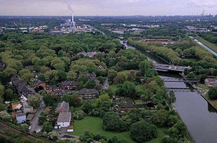 Oberhausen Blick vom Gasometer: Kaisergarten Gemeinschafts-Müllverbrennungsanlage Rhein-Herne-Kanal