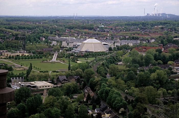 Oberhausen Blick vom Gasometer: Gartendom (ehem. Kohlemischanlage) OLGA Park