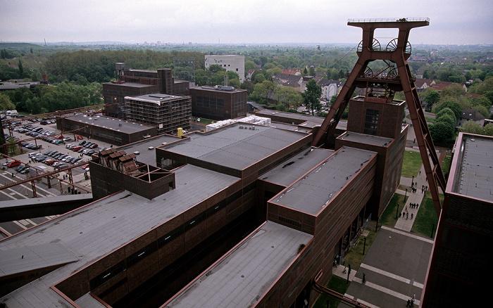 Essen Zeche Zollverein: Blick von der Kohlenwäsche: Schacht 12