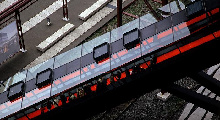 Essen Zeche Zollverein: Blick von der Kohlenwäsche: Rolltreppe zum Eingang des Ruhr Museums