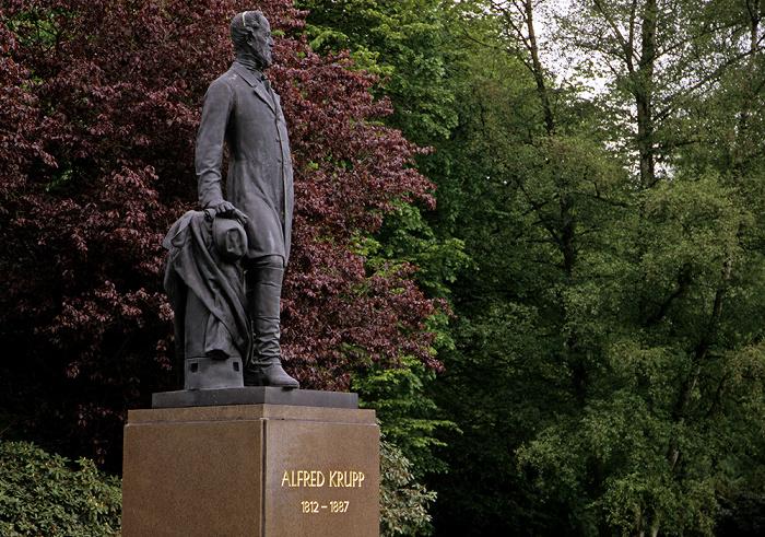 Essen Park der Villa Hügel: Alfred-Krupp-Denkmal