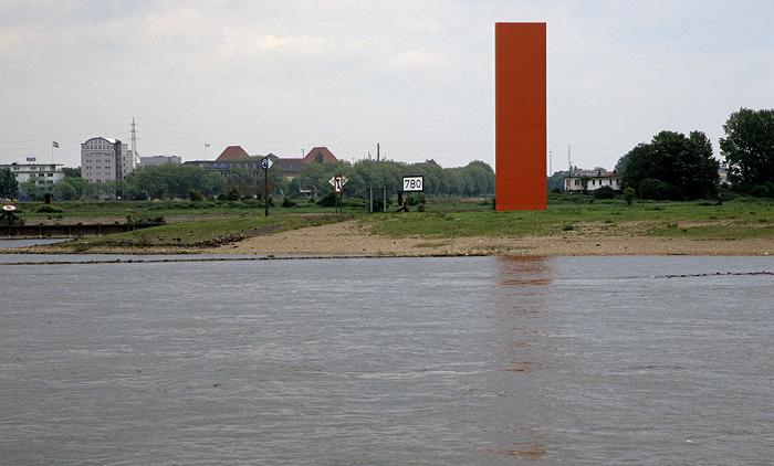 Duisburg Rhein: Stahlskulptur R(h)ein-Orange