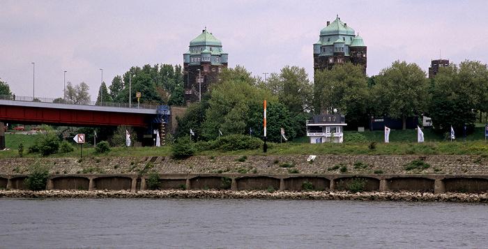 Duisburg Rhein: Brückentürme der Friedrich-Ebert-Brücke