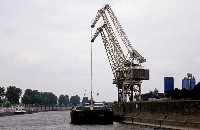 Duisburg Rhein-Herne-Kanal
