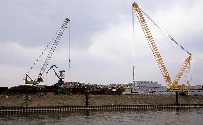 Duisburg Rhein-Herne-Kanal: Schrottinsel
