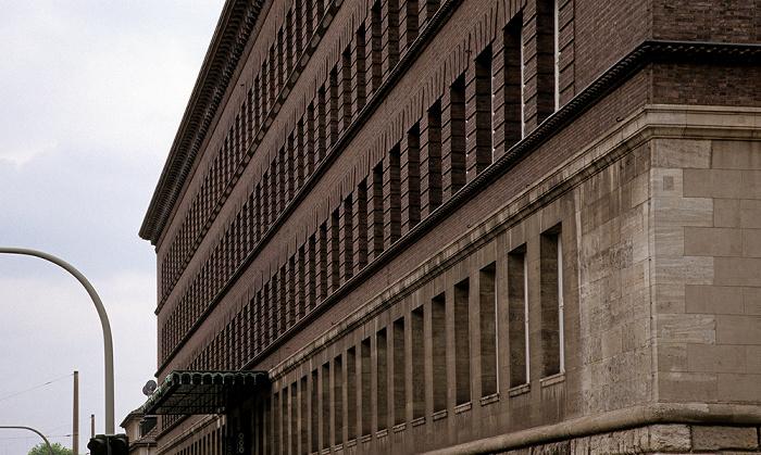 Duisburg Ruhrort: 1000-Fenster-Haus