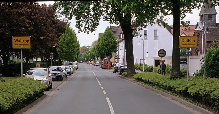 Ortseingangsschilder Provinzialstraße: Links Waltrop, rechts Datteln