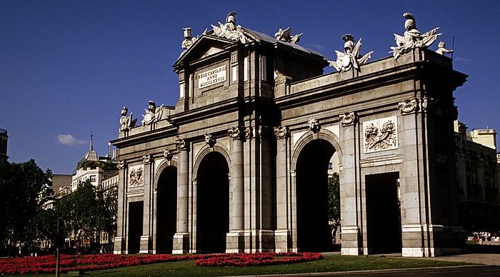 Plaza de la Independencia: Puerta de Alcalá Madrid 2010
