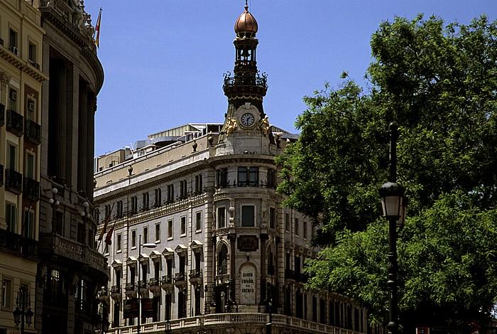 Calle de Alcalá: Palacio de la Equitativa (Edificio del Banco Español de Crédito) Madrid 2010