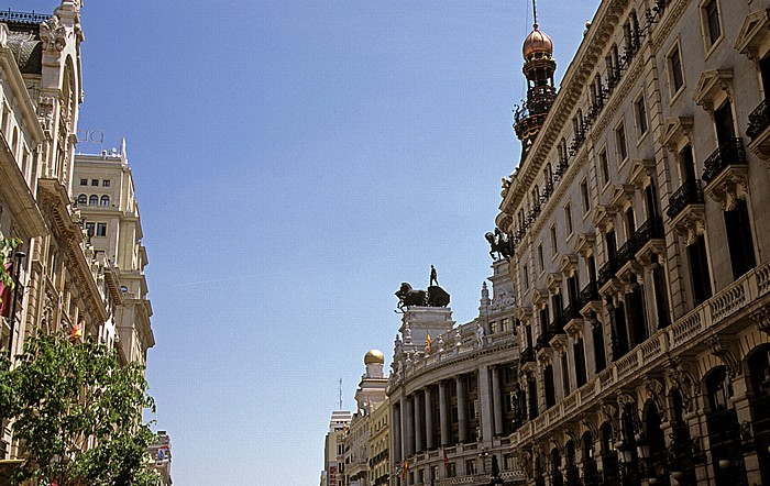 Madrid Calle de Alcalá Edificio del Banco de Bilbao Teatro Alcázar