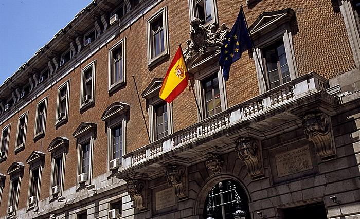 Madrid Calle de Alcalá: Real Casa de la Aduana (Sitz des Ministerio de Economía y Competitividad)