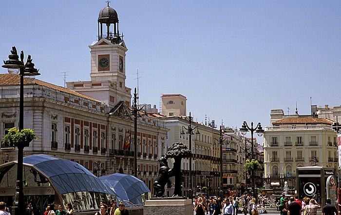 Madrid Puerta del Sol: Casa de Correos und Statue Oso y el Madroño (Der Bär und der Erdbeerbaum) Estación de Cercanías Sol Estatua del Oso y el Madroño Real Casa de Correos