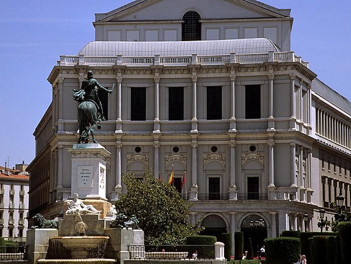 Plaza de Oriente: Reiterstandbild von Philipp IV. (Felipe IV), Teatro Real de Madrid Monumento a Felipe IV