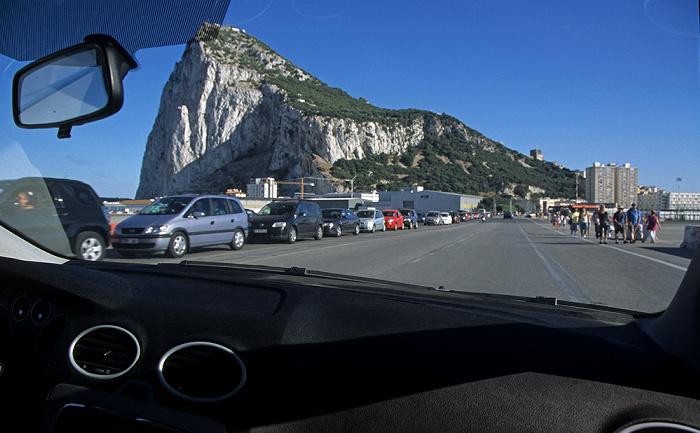 Überquerung des Flughafens Gibraltar (Gibraltar Airport) Fels von Gibraltar Flughafen Gibraltar