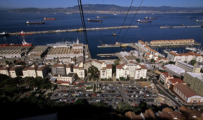 Blick aus der Gibraltar Cable Car (Seilbahn) Bay of Gibraltar Botanischer Garten