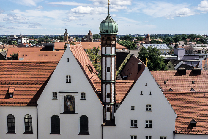 Blick aus dem Augsburger Rathaus: Kloster der Franziskanerinnen von Maria Stern Jakobertor St. Jakob