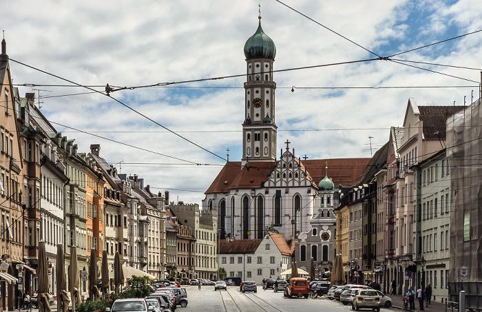 Augsburg Von vorne: Maximilianstraße, Ulrichsplatz, Evangelische St. Ulrichskirche, Basilika St. Ulrich und Afra