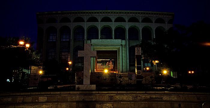 Bukarest Platz des 21. Dezember 1989 (Piata 21 Decembrie 1989): Nationaltheater und 0-Kilometerstein