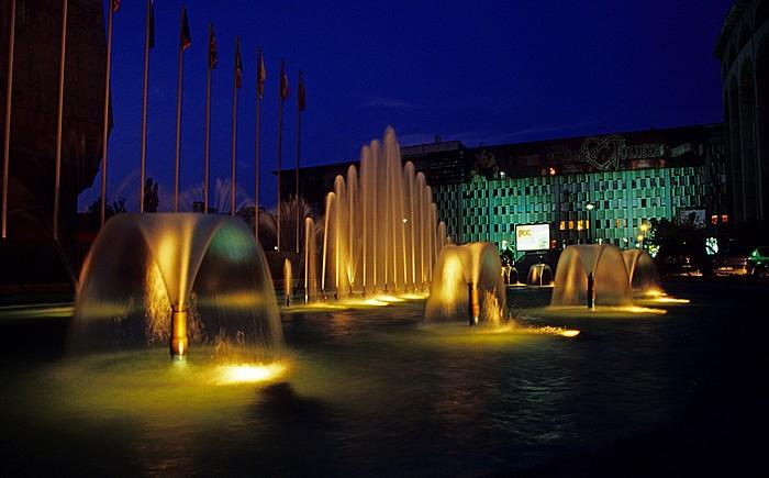 Bukarest Platz des 21. Dezember 1989 (Piata 21 Decembrie 1989): Hotel Intercontinental Operettenmuseum Ion Dacian