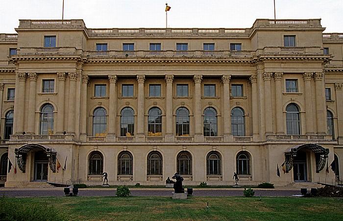 Bukarest Revolutionsplatz (Piata Revolutiei): Muzeul National de Arta al României (Nationales Kunstmuseum von Rumänien)