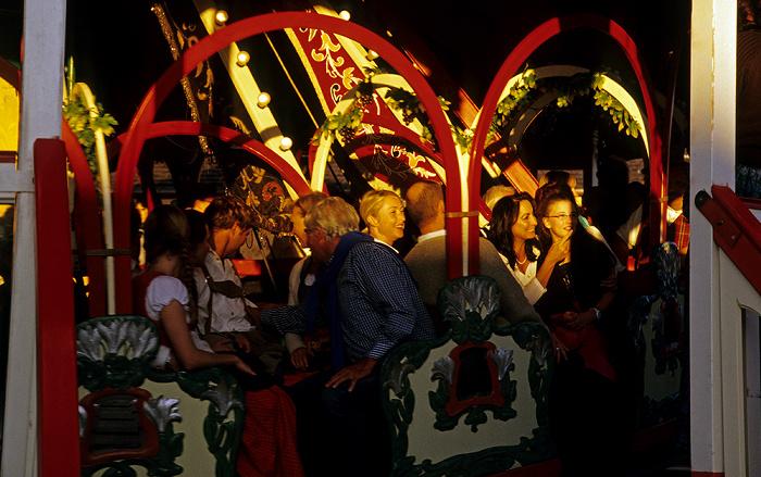 Theresienwiese: Oktoberfest mit der Krinoline München