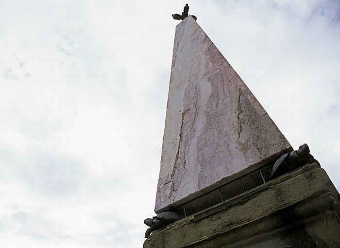 Florenz Piazza Santa Maria Novella: Obelisk