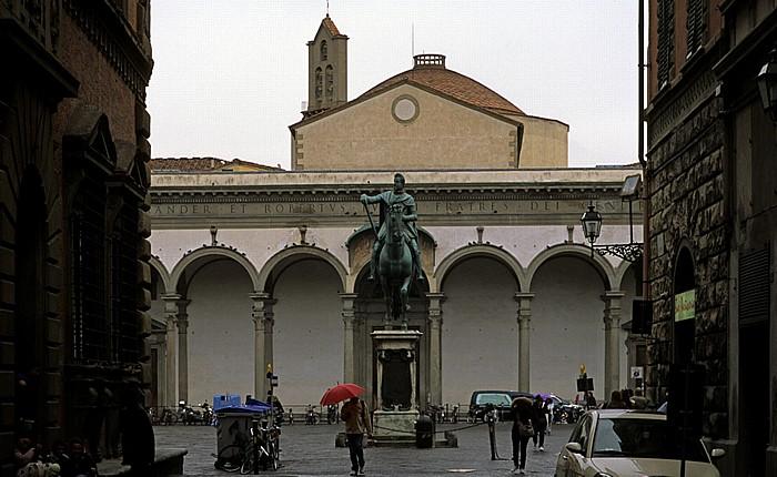 Florenz Piazza della Santissima Annunziata mit dem Reiterstandbild von Ferdinando I de' Medici Basilica della Santissima Annunziata