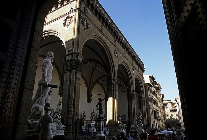 Florenz Loggia dei Lanzi (Loggia della Signoria) Marmorgruppe
