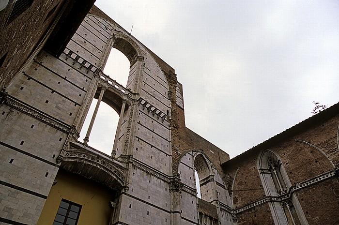 Siena Contrada de Aquila: Piazza del Duomo