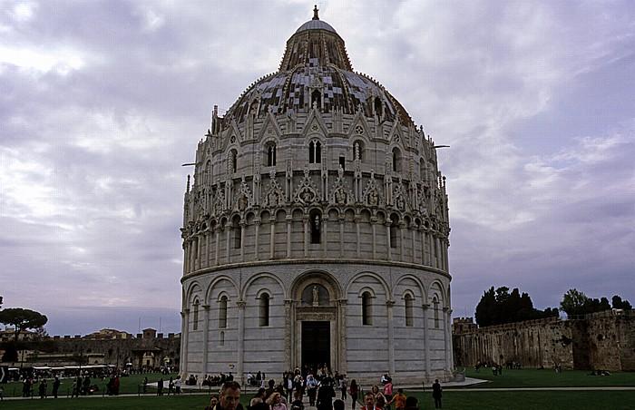Pisa Piazza dei Miracoli (Piazza del Duomo): Baptisterium