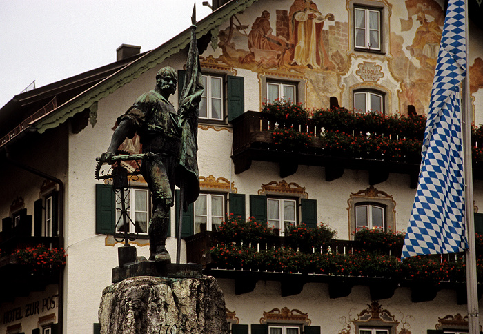Kochel am See Schmied-von-Kochel-Denkmal, Hotel zur Post