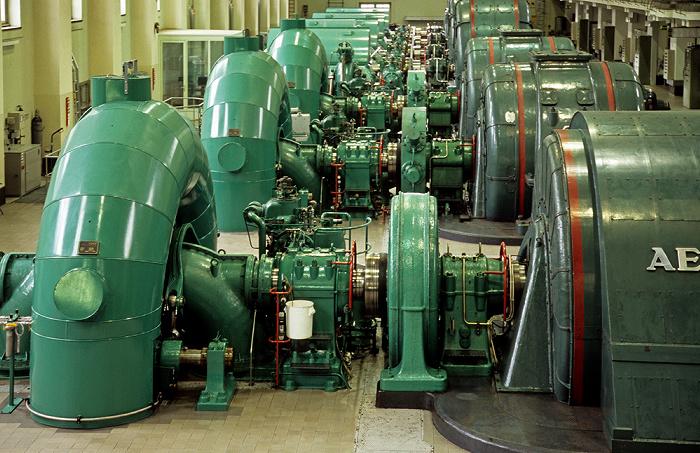 Kochel am See Walchenseekraftwerk: Turbinenhalle
