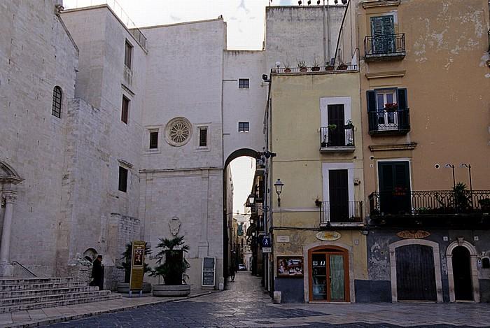 Bari Centro Storico: Piazza dell' Odegitria Cattedrale di San Sabino