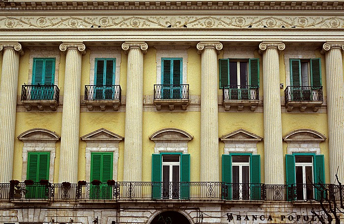 Giovinazzo Piazza Vittorio Emanuele II